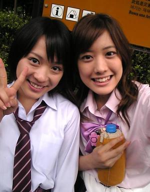 福田沙紀(右)と北乃きい